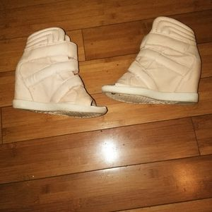 Boutique 9 Shoes - Genuine Leather Nude color Sneaker Wedge sz 9.5